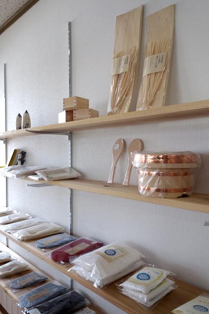 小林米穀店さんの商品棚