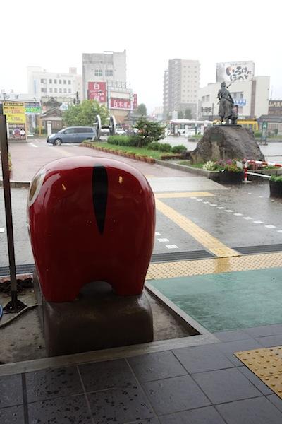 会津若松駅で土砂降り