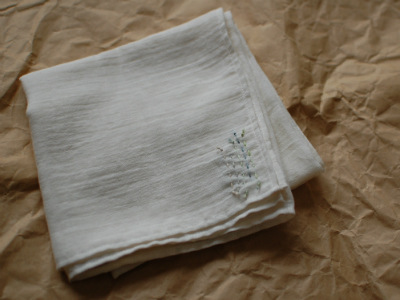 aoのガーゼ風呂敷 tetoteさんの刺繍