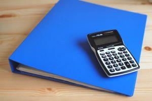 領収証の綴りと電卓