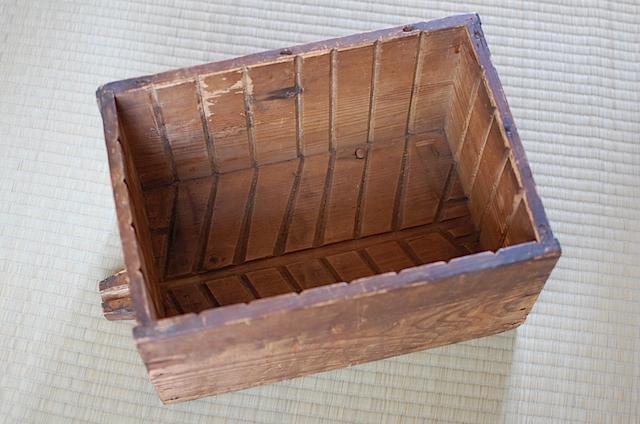 木箱、全体
