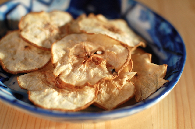 セミドライの梨チップス
