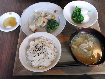 上越市のカフェ「冬の日」のランチ