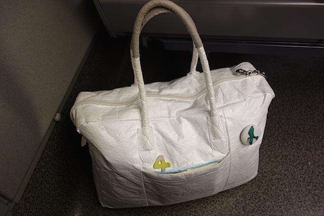 タイベック紙製のバッグ