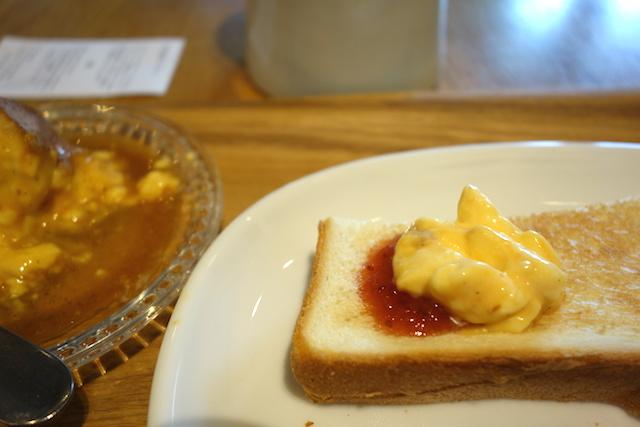 神楽坂プリントースト、苺ジャムも