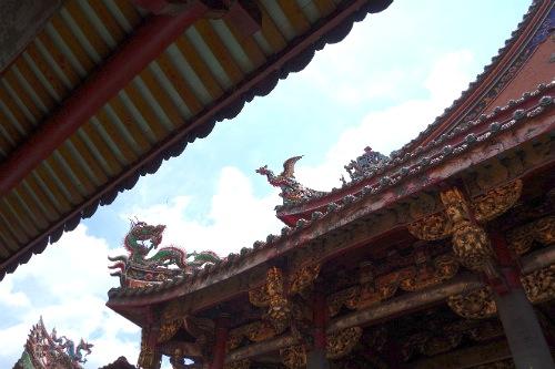 龍山寺境内の建物