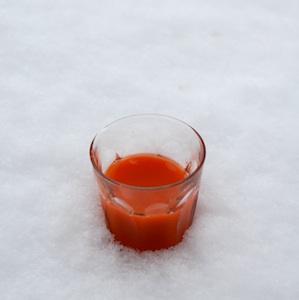 津南の雪下にんじんジュース