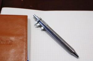 ノギス付きボールペン