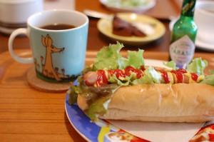 リボンカフェ「ホットドッグ」セット 650円