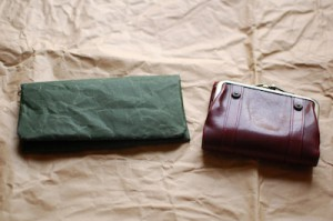 紙和のお財布とダコタの財布