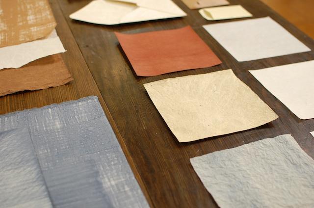 栃尾地域図書館で展示の手漉き和紙
