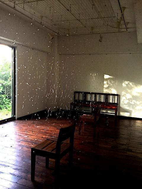 長岡市のギャラリー たびのそら屋でのサトウカヨ展「佇む」