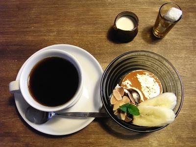 柏崎tanne(タンネ)のコーヒーとプリン・ア・ラ・モード