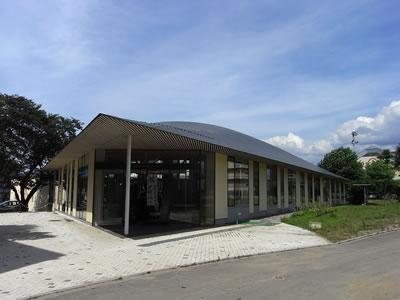 小布施町立図書館「まちとしょテラソ」外観