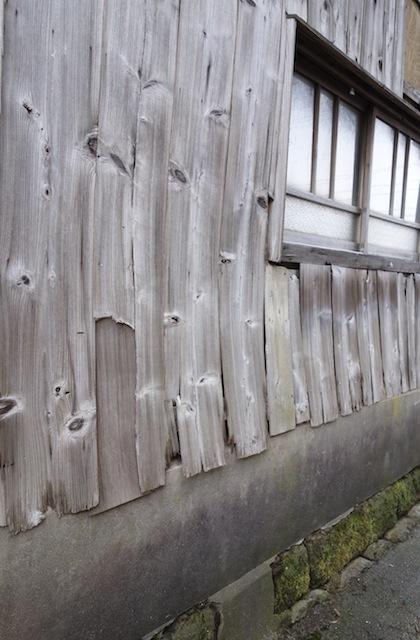 岩瀬地区の路地で見かけた板塀