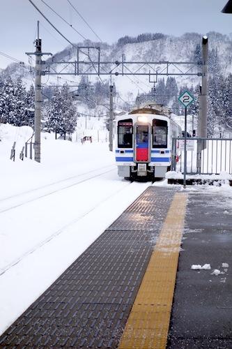 ほくほく線の電車